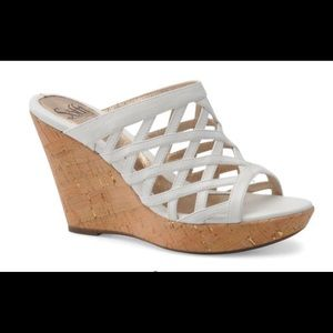 Sofft White Wedge Sandals. Barely been worn.